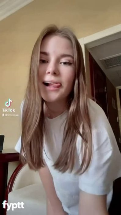 Cute girl dancing on TikTok without wearing panties and showing her pussy